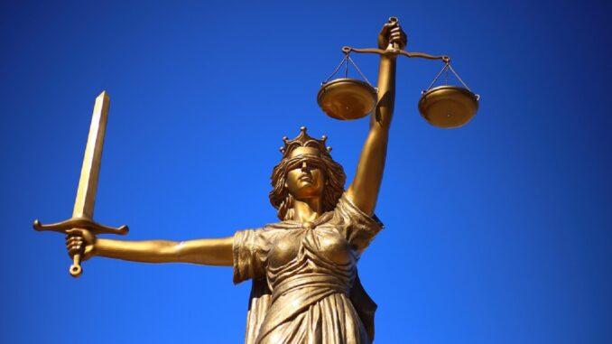 Pensione avvocati, aliquote, importi e requisiti