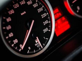 Noleggio auto a lungo termine, quanto è Iva e come si porta in detrazione