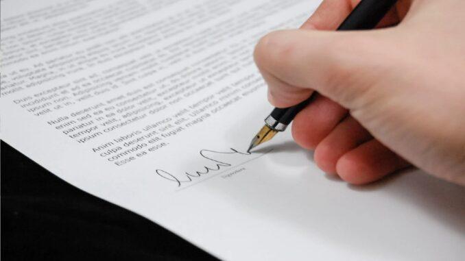 contratto di lavoro, cosa fare prima di firmare