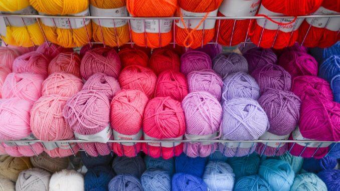 Contributi a fondo perduto per le nuove e piccole imprese del mondo del tessile, accessori e moda: come fare la domanda e i contenuti dei progetti ammissibili